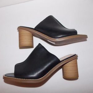 Clarks somerset black leather mules size 8M
